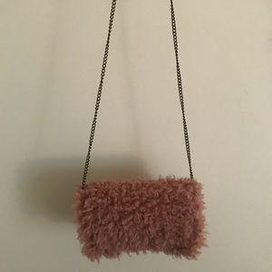 Furry mauve shoulder bag/crossbody bag